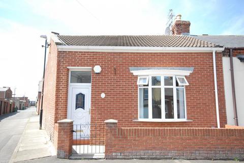 3 bedroom cottage for sale - Hartington Street, Roker