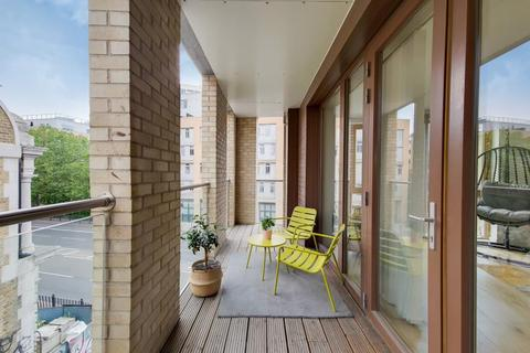 2 bedroom apartment for sale - Earl Attlee Court Wharf Lane E14