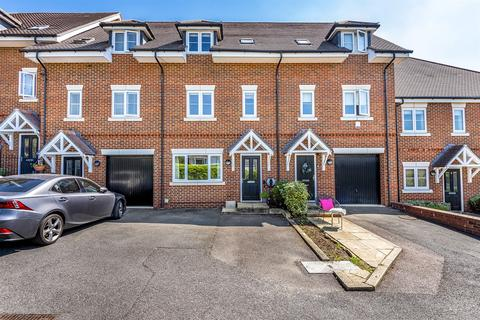 4 bedroom townhouse for sale - Findlay Mews, Marlow