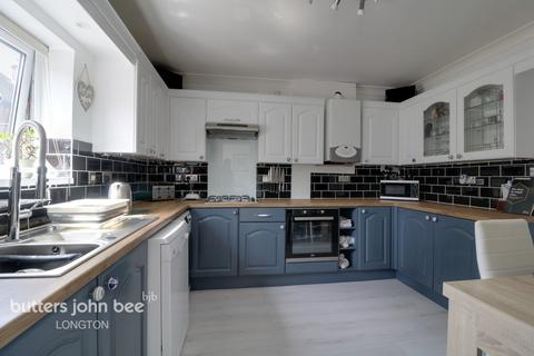 3 bedroom semi-detached house for sale - Waterside Drive, Stoke-On-Trent