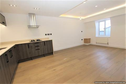 1 bedroom flat to rent - 15 Burwood Close, KT6 7HW
