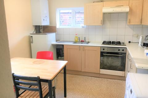 4 bedroom maisonette to rent - Archway , London  N19