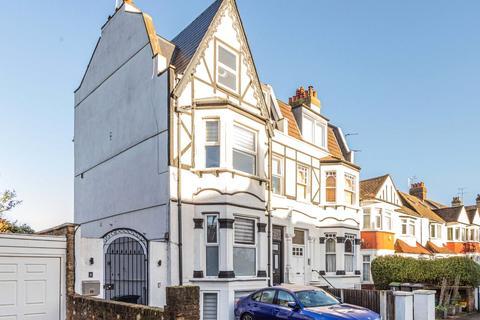 2 bedroom apartment to rent - Alexandra Park Road, London, N22