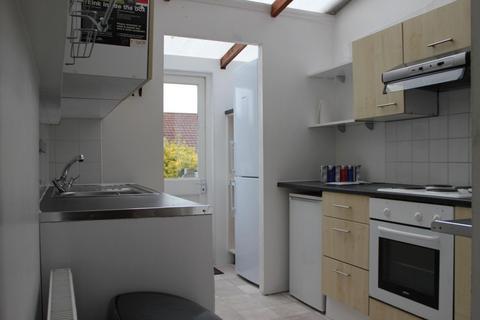 4 bedroom terraced house to rent - St Helen's, BRIGHTON BN2