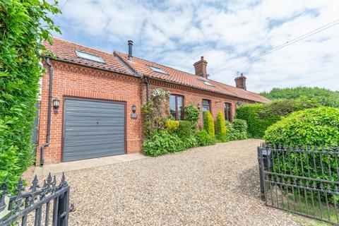 2 bedroom semi-detached house for sale - Thursford