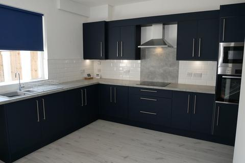 2 bedroom terraced house to rent - West Road, Prestwich, Manchester