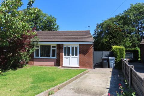 2 bedroom semi-detached bungalow to rent - Tapley Avenue, Poynton