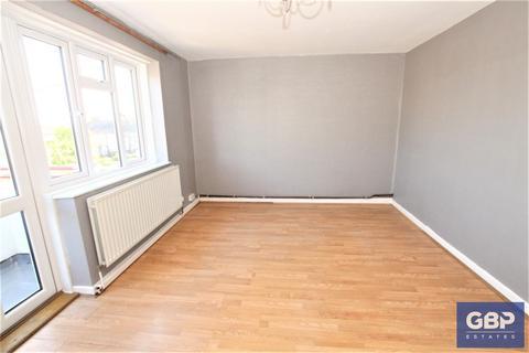 4 bedroom maisonette to rent - Durham Road, Dagenham