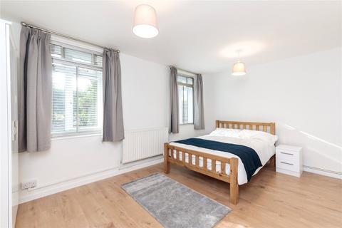 3 bedroom apartment to rent - Albert Carr Gardens, Streatham, SW16
