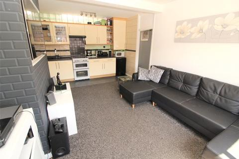 2 bedroom apartment for sale - Eastwood Road North, Leigh-on-Sea, SS9