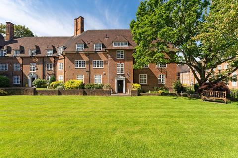 3 bedroom apartment for sale - Heathcroft, Hampstead Way, Hampstead Garden Suburb, NW11