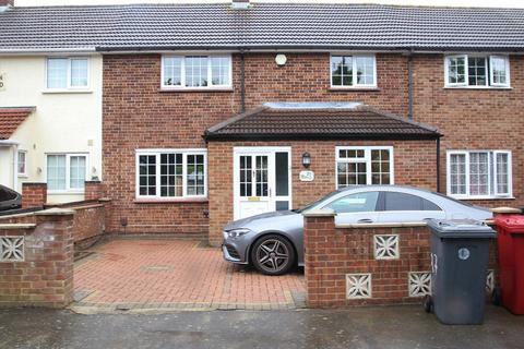 3 bedroom terraced house to rent - The Normans, Slough, SL2