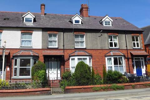 4 bedroom terraced house for sale - Berwyn Street, Llangollen