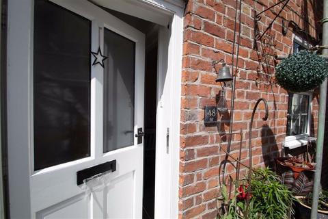 2 bedroom cottage for sale - Market Street, Knighton, Powys