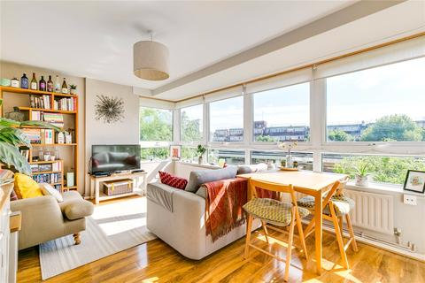2 bedroom apartment for sale - Gaitskell Court, Shuttleworth Road, London, SW11