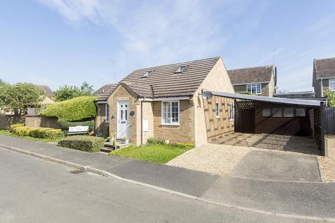 2 bedroom detached bungalow for sale - Siddons Close, Oundle, Peterborough