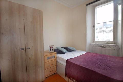 Studio to rent - St Georges Drive, Pimlico, SW1V