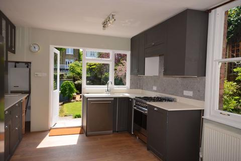 4 bedroom semi-detached house to rent - Cranbourne Road, N10