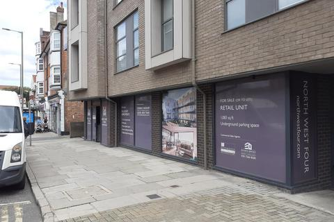 Retail property (high street) to rent - Brent Street, Hendon, London