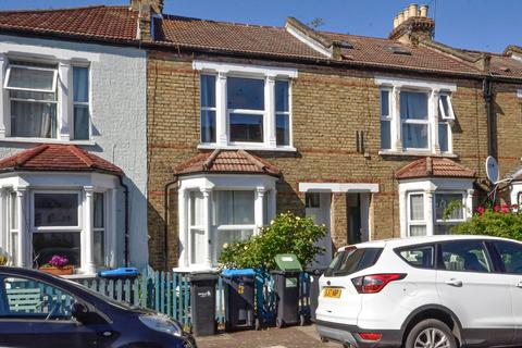 3 bedroom terraced house for sale - Granville Road, London, N13