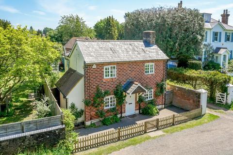 3 bedroom detached house for sale - Horsham Road, Shalford, Guildford, Surrey