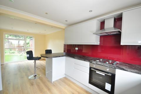 3 bedroom semi-detached house to rent - Ham View Croydon CR0