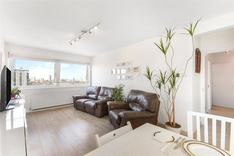 2 bedroom flat for sale - Park South, Austin Road, London, SW11