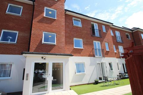 2 bedroom flat to rent - North Street, Hornchurch, RM11
