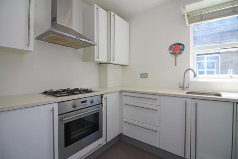 2 bedroom flat to rent - Chingford Road, London