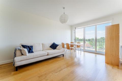 2 bedroom flat for sale - Watson Place, London
