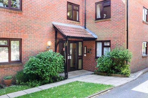 2 bedroom ground floor flat for sale - Victoria, Court, 17 Stratford Road, Salisbury SP1 3LX