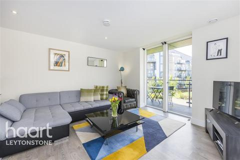 3 bedroom flat to rent - Rookery Court, Leyton E10