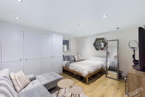 4 bedroom semi-detached house for sale - Allen Street, Maidstone, ME14