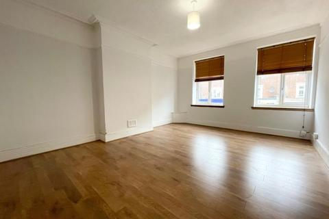 3 bedroom maisonette to rent - Green Lanes, Palmers Green, N13
