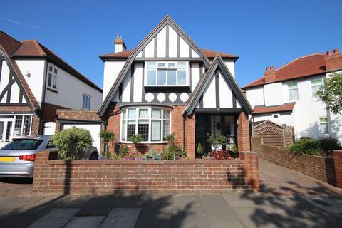 3 bedroom detached house for sale - Brierdene Crescent, Whitley Bay, Tyne & Wear, NE26 4AB