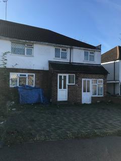 Studio to rent - Eldon Road, Challney, Luton, Bedfordshire, LU4