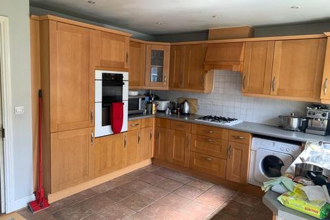 1 bedroom in a house share to rent - Chilcott Close, HA0