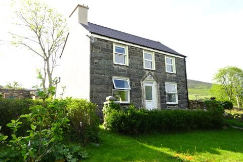3 bedroom detached house for sale - BRYNTIRION TERRACE, RHIWLAS LL57