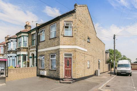 2 bedroom flat to rent - Grove Green Road, Leyton, E11