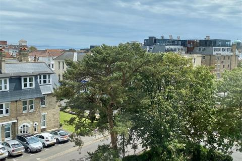 2 bedroom flat for sale - Arnewood Court, 9 West Cliff Road, Bournemouth