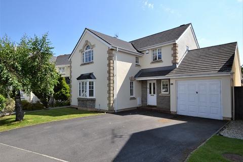 4 bedroom detached house for sale - Badgers Brook Rise, Cowbridge, The Vale Of Glamorgan. CF71 7TW