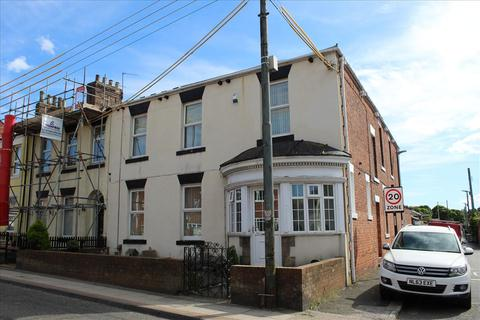 3 bedroom flat for sale - RAILWAY TERRACE, SOUTH HYLTON, Sunderland South, SR4 0PE
