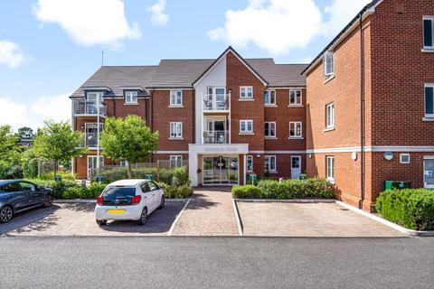 2 bedroom retirement property for sale - Wokingham,  Berkshire,  RG40