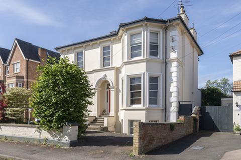3 bedroom apartment for sale - Fairmount Road, Cheltenham GL51 7AQ