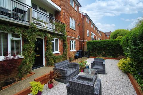 2 bedroom ground floor flat to rent - Croft Lodge Close, Woodford Green
