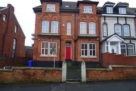 Studio to rent - Woodlands Road, Cheetham Hill