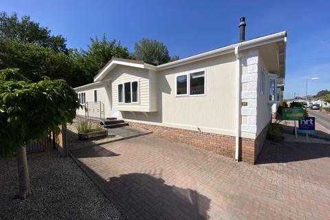 2 bedroom detached bungalow for sale - 27 Heronstone Park, Heronston Lane, Bridgend CF31 3BZ