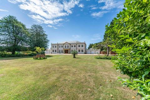 6 bedroom detached house for sale - High Street, Angmering, West Sussex