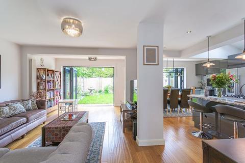 4 bedroom detached house for sale - Morland Close, Hampton, TW12