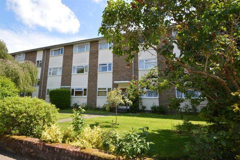 2 bedroom flat to rent - Lovelace Gardens, Surbiton